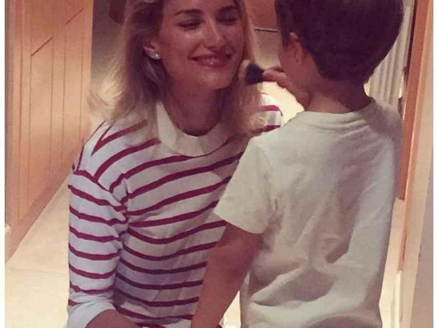 Alba Carrillo no muestra la  cara de su hijo Lucas en Instagram.