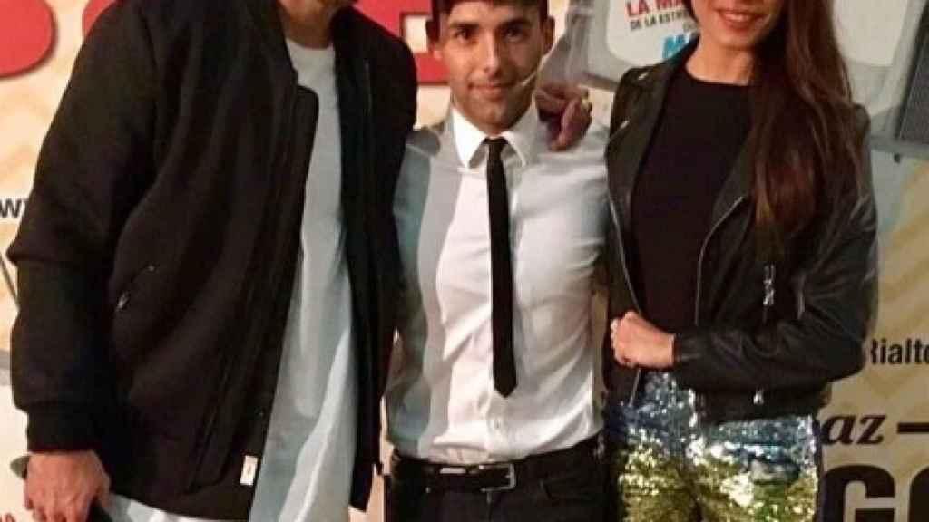 Sergio Ramos y Pilar Rubio junto al Mago Pop.