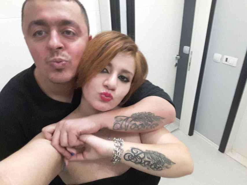 Han sellado su amor con el matrimonio, un bebé... y el tatuaje con el nombre del otro en sus brazos.