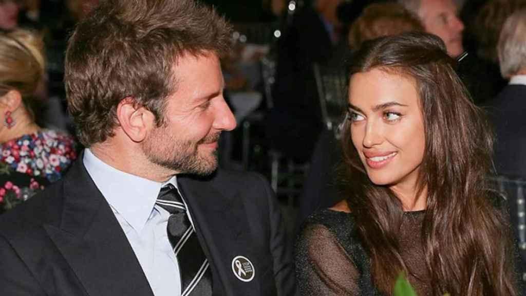 El actor y la modelo cumplen un año más a la espera de que su hijo nazca a principios de verano.