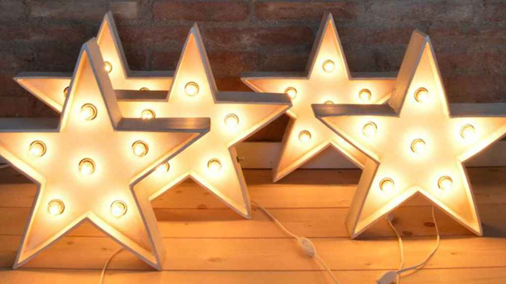 Lámpara con forma de estrella de La Factoría Shop.