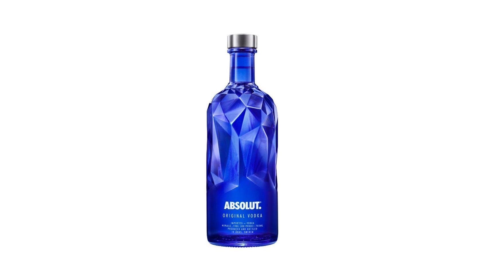 Las aristas estrelladas de la nueva edición limitada de Absolut hacen posible el trago más original para este 2017.
