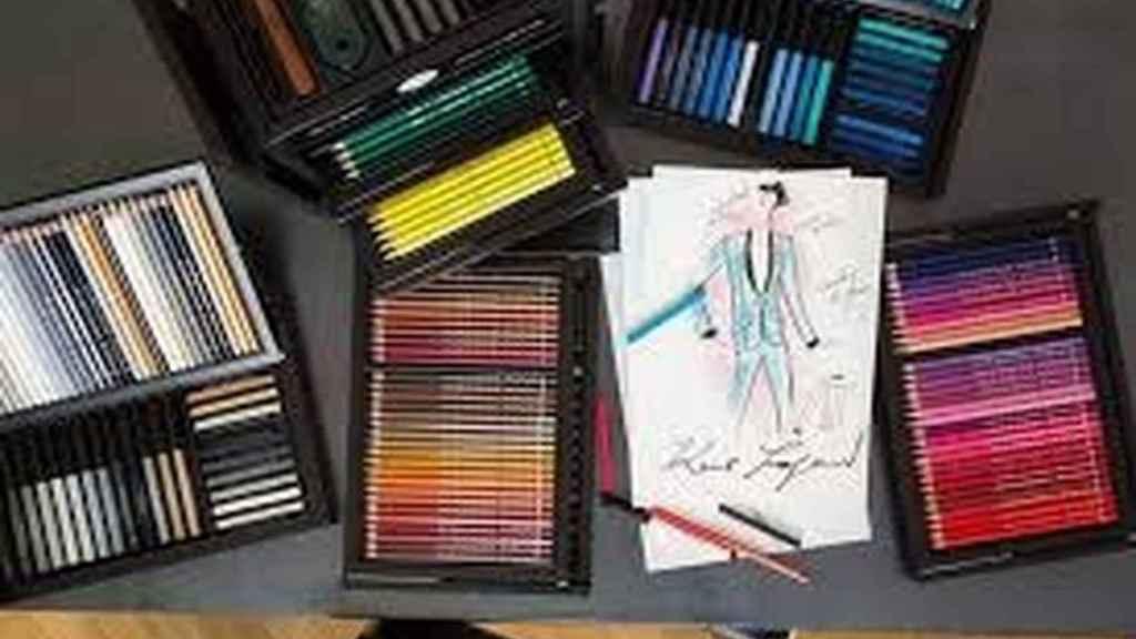 De diseño. O más bien de diseñador, ya que Karl Lagerfeld se ha asociado con esta mitica firma de lápices para crear un cofre de coleccionista con infinidad de colores ( desde 200 Euros), de Faber-Castell.
