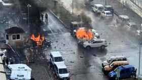 Imagen del lugar del atentado pocos minutos después de la explosión