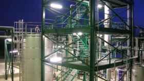 torres-destilacion-combustible-alimentos-1