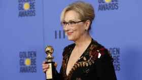 Meryl Streep, con el Globo de Oro que reconoce toda su carrera.