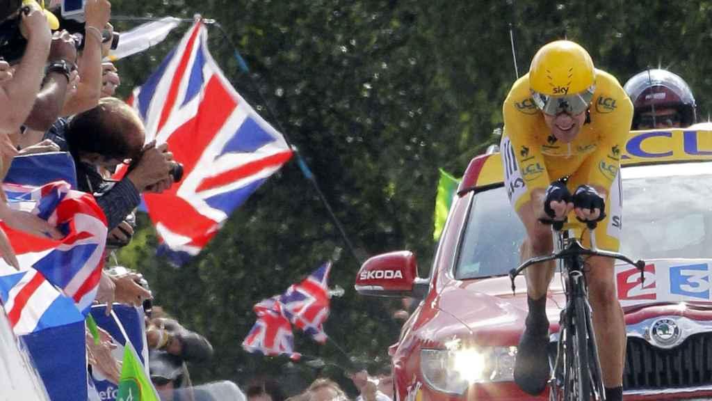 Bradley Wiggins, vestido con el maillot amarillo en el Tour 2012.