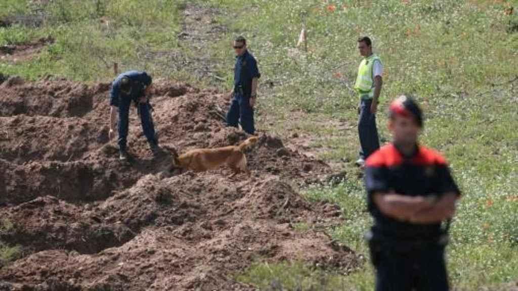 Búsqueda de los cadáveres con georradar en el huerto de Ramón Laso.