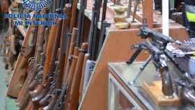 Varias de las armas intervenidas en la operación.