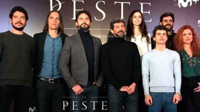 Elenco de 'La peste', una de las producciones originales de Movistar+.