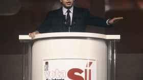 Felipe González durante el cierre de campaña para defender la permanencia de España en la OTAN.
