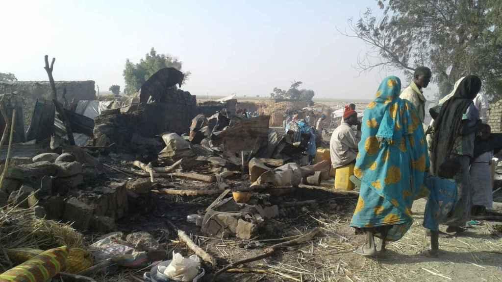 Así quedó el campo de refugiados de Ran (Nigeria) bombardeado por el Ejército.