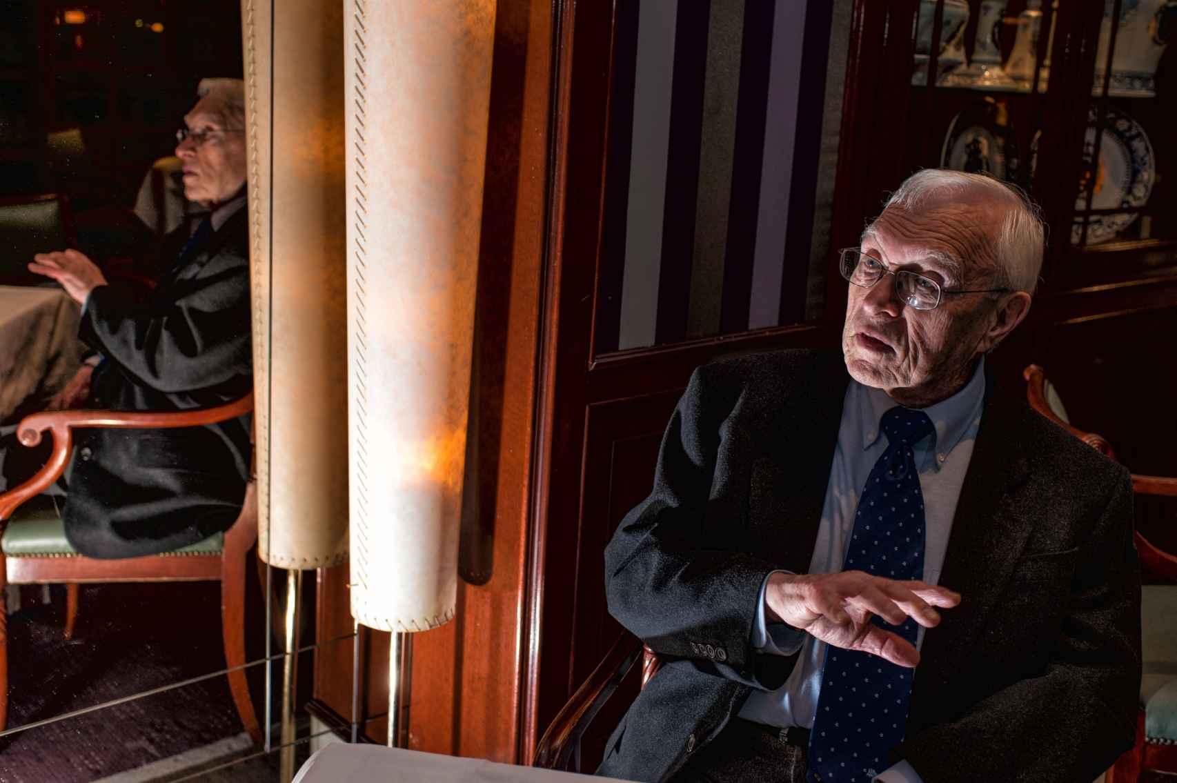 El catedrático asegura que España tiene una visión muy negativa de su pasado.