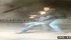 Buscan a los atracadores del Metro de Madrid que usaron el método del 'mataleón'