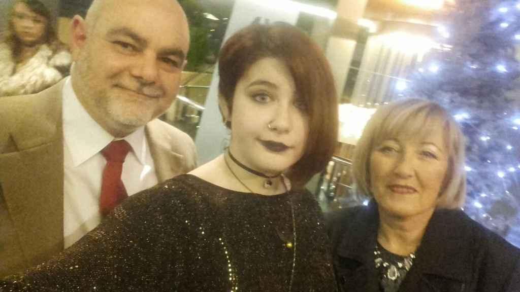 Los padres de Lucía, Joaquín y María Peligros, durante la cena de la pasada Nochevieja.