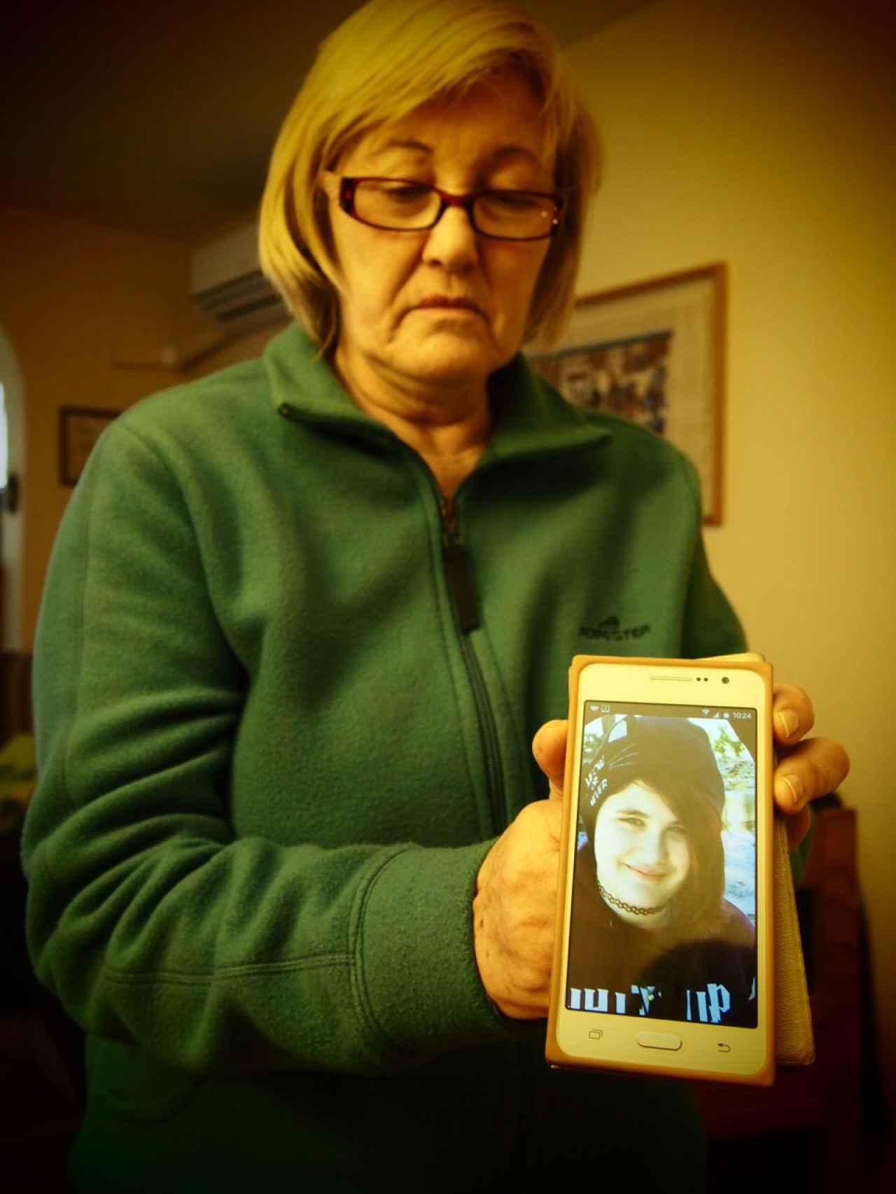 María Peligros, la madre de Lucía, se encuentra de baja tras la muerte de su hija.