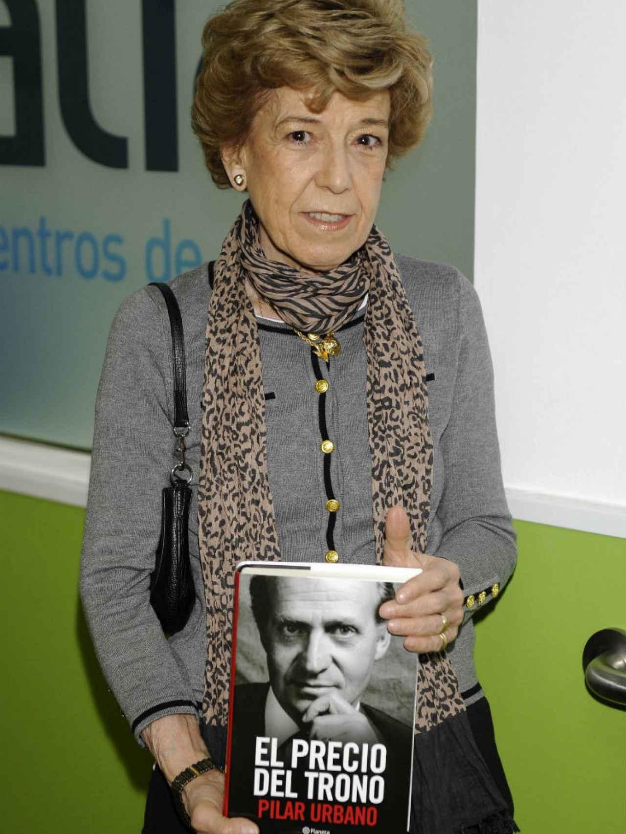 La periodista Pilar Urbano durante la presentación del libro El precio del trono.