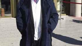 Francis Montesinos a las puertas del tanatorio La Paz.