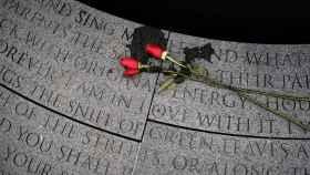 Un monumento conmemorativo de las víctimas del sida