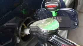 Las gasolineras autoservicio son cada vez más habituales, pues permiten al empresario abaratar costes.
