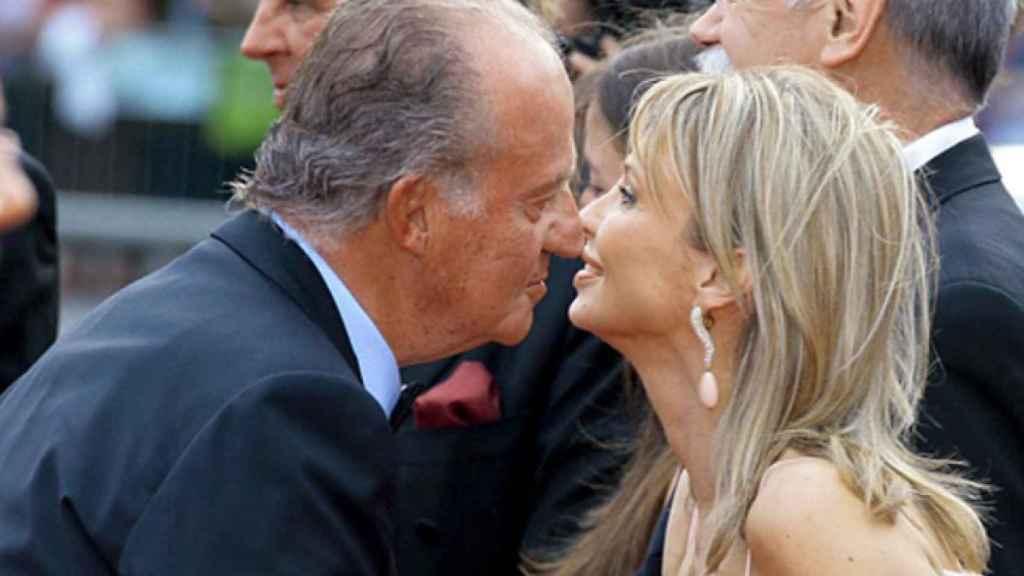 Juan Carlos I y Corinna en Barcelona, el 22 de mayo de 2006.