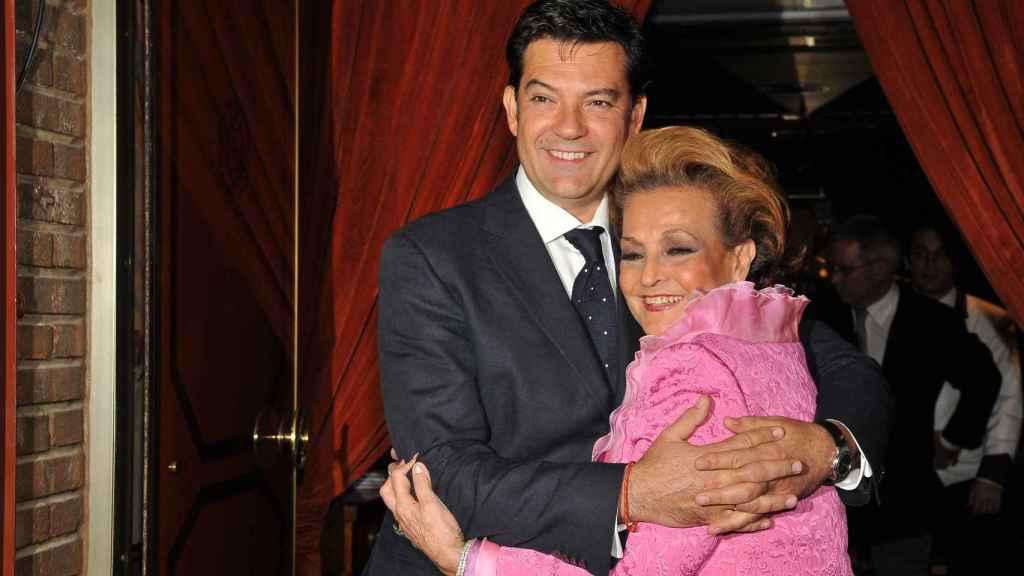 Carmen Sevilla con su único hijo, Augusto Algueró