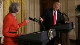 May y Trump, durante su rueda de prensa de este viernes en la Casa Blanca
