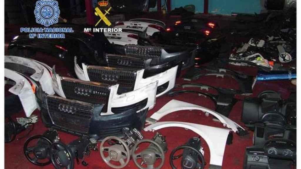 En ocasiones, las mafias despiezan los coches para transportarlos a otros países.