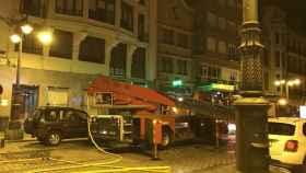 incendio-leon-ordono-II-bomberos-edificio