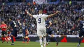 Karim Benzema en el Bernabéu en el último partido ante el Málaga.