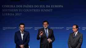 Tsipras, Rajoy y Hollande, este sábado en Lisboa.