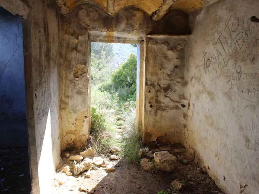 Interior de la caseta de La Romana en la que fueron violadas y torturadas las tres niñas