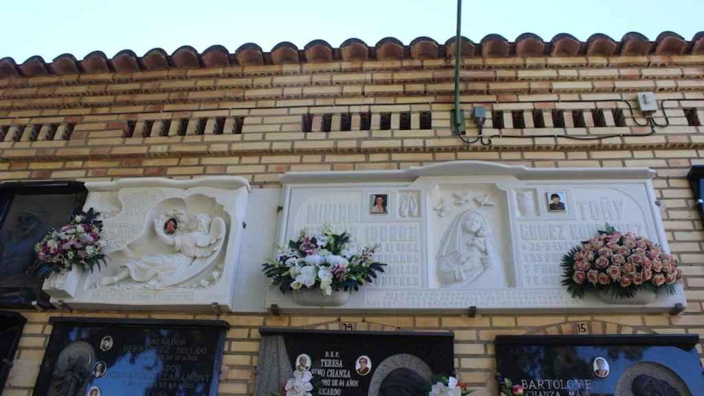 Míriam, Toñi y Desirée están enterradas juntas en el cementerio de Alcàsser