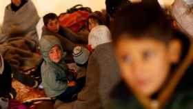Niños iraquíes desplazados cerca de Mosul, Irak.