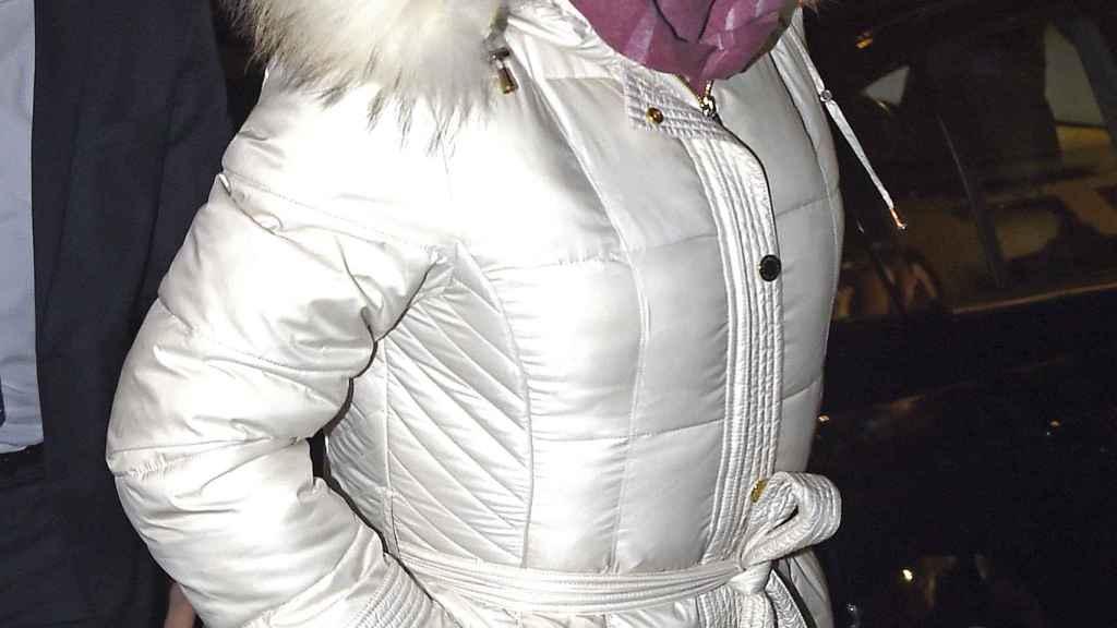 Isabel Pantoja llegando a su casa en Madrid.