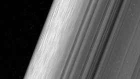 Imagen captada por la nave de la NASA de los anillos de Saturno