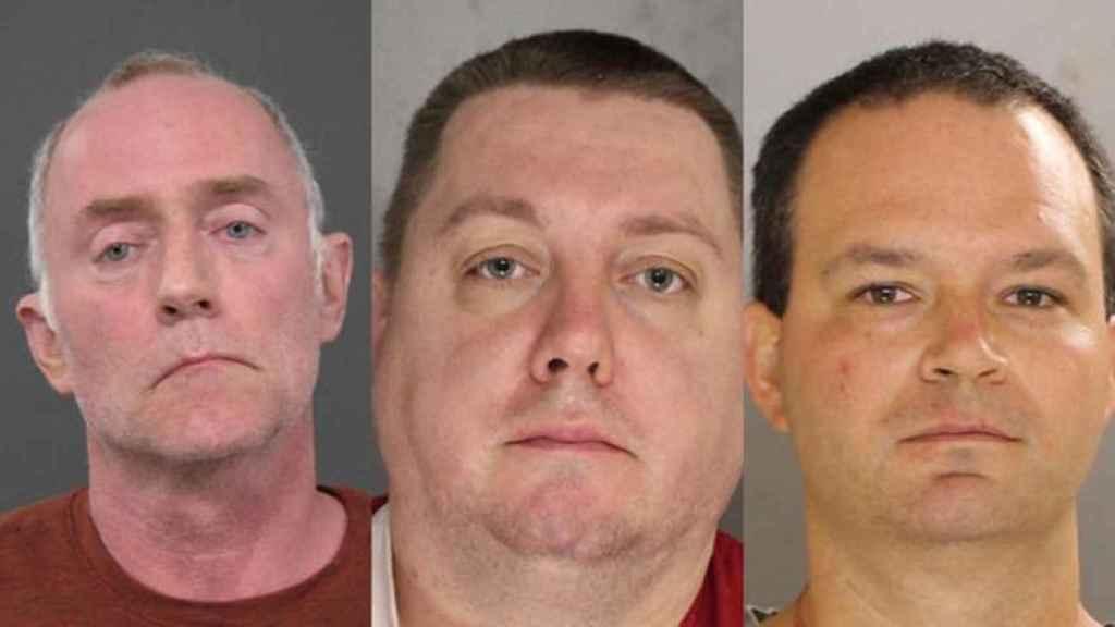 Los detenidos, de izquierda a derecha: Kenneth Fenske, David Parker y Jeffrey Harvey.