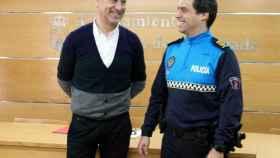 alcalde-y-policia-carbajosa