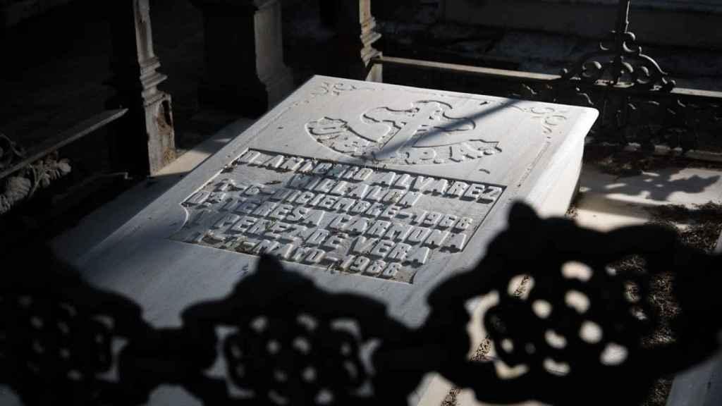 Panteón de la familia Álvarez-Villalón en el cementerio de Morón de la Frontera.