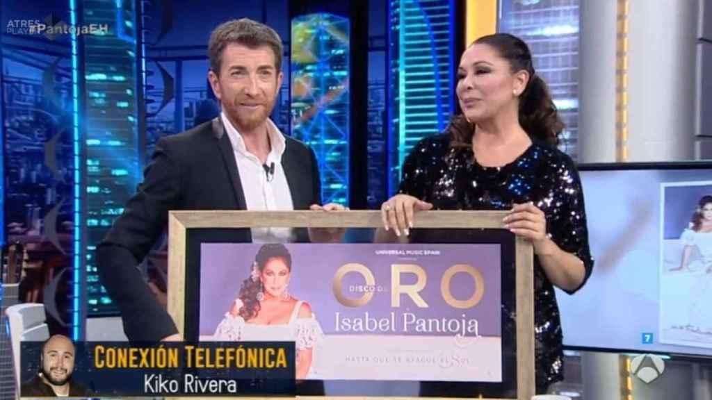 Pablo Motos durante su controvertida entrevista a Isabel Pantoja