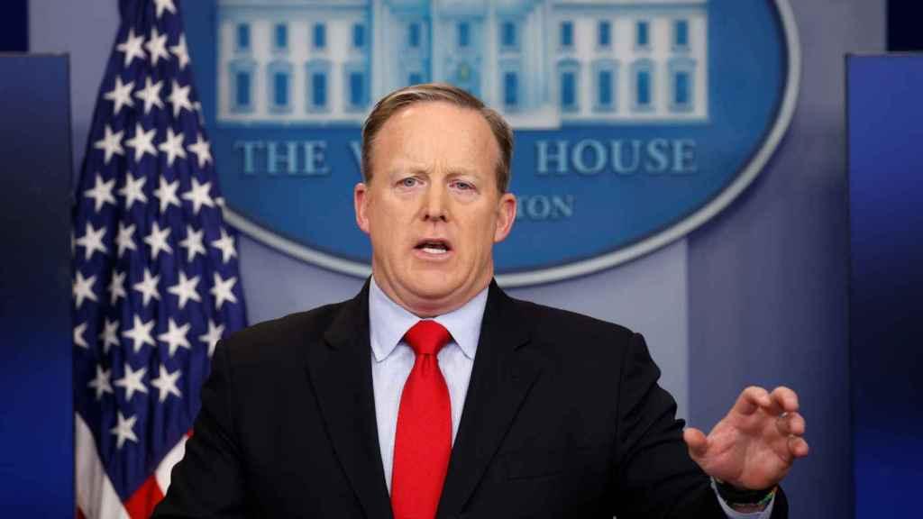 Spicer, durante la rueda de prensa.