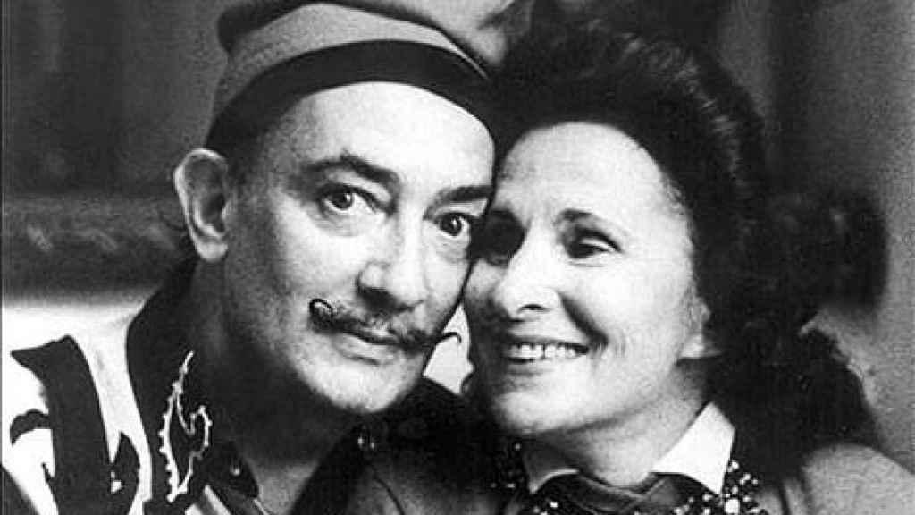 Salvador Dalí y su mujer Gala recibieron ayuda del diplomático portugués.