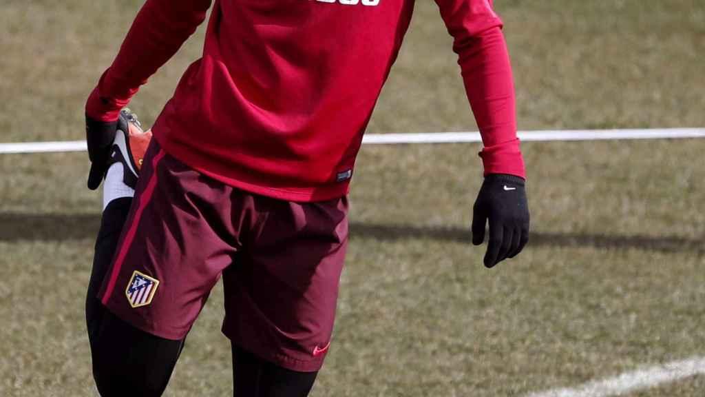 Lucas Hernández se entrena con el Atlético de Madrid.