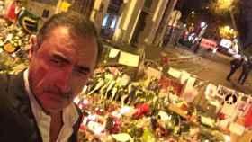 El periodista fue muy criticado tras retratarse junto a los homenajes a los asesinados en Bataclán.