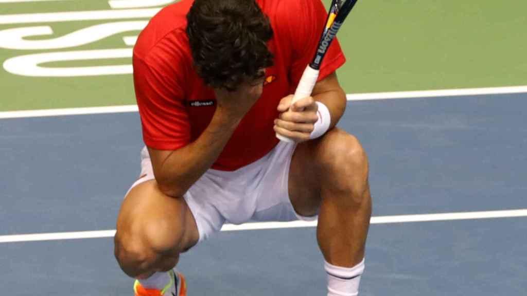 Feliciano López se lamenta por la derrota.