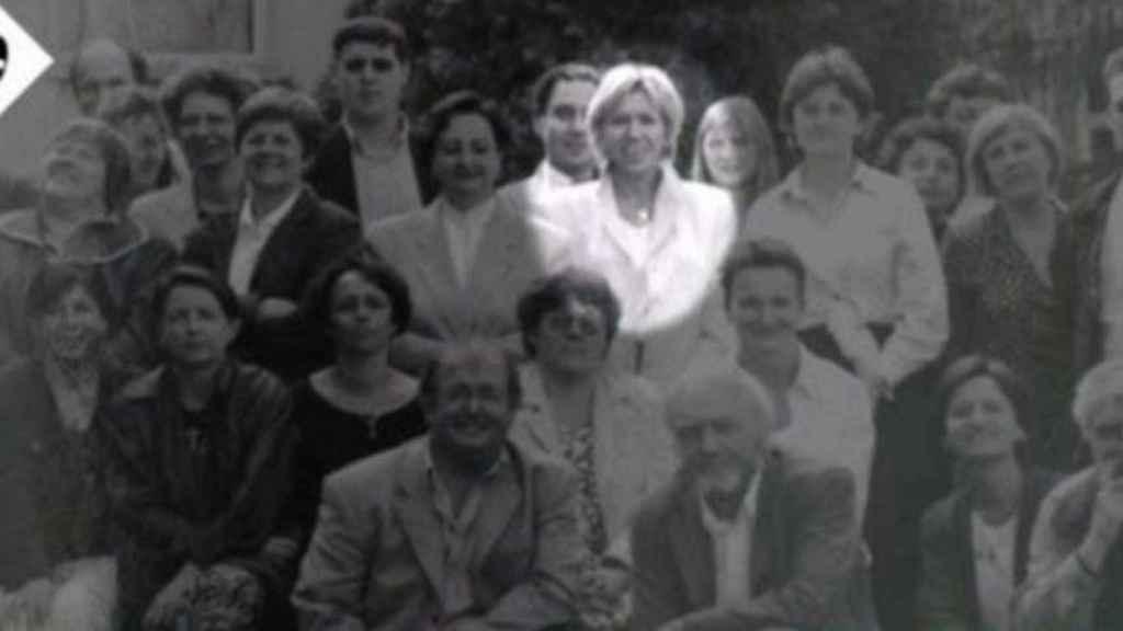 Brigitte Macron (centro) en su época de profesora de instituto, cuando se enamoró de su alumno y ahora marido