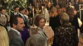La reina Sofía, durante la boda en la catedral de Santa Sofía, en Londres.