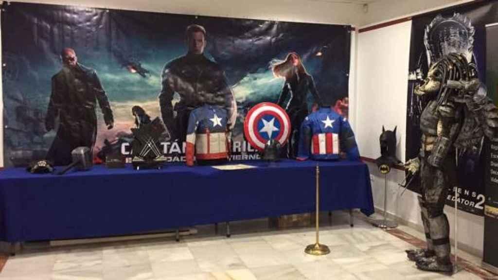 Fernández Molina cedió más de 200 ejemplares para la muetra 'Trajes de Cine'.