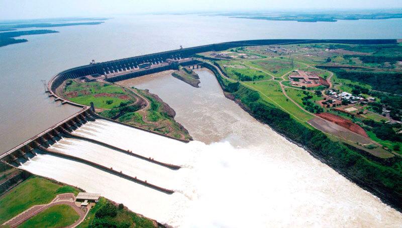 Itaipu-Dam-central-hidroelectrica-brasil