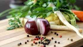 alimentos verduras en tabla